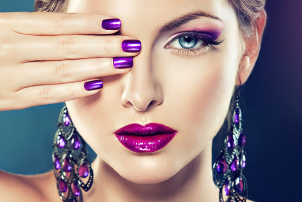 Makijaż latem, czyli co zrobić, aby nie spłynąć w upalne dni