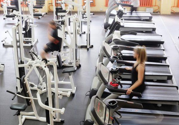 Wyposażenie klubu fitness. W jakie sprzęty warto zainwestować?
